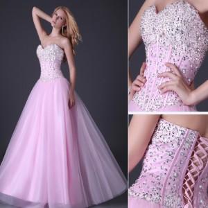 modna-suknia-z-gorsetem